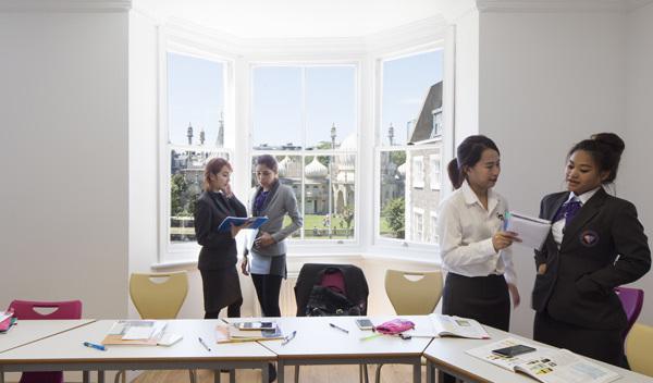 Sprachschule brighton schulzimmer studylingua