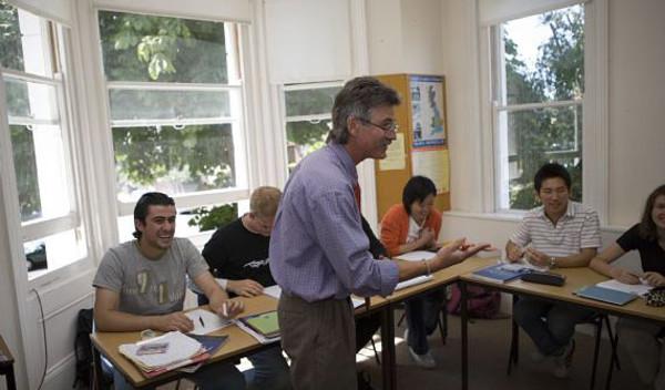Sprachschule worthing schulzimmer studylingua